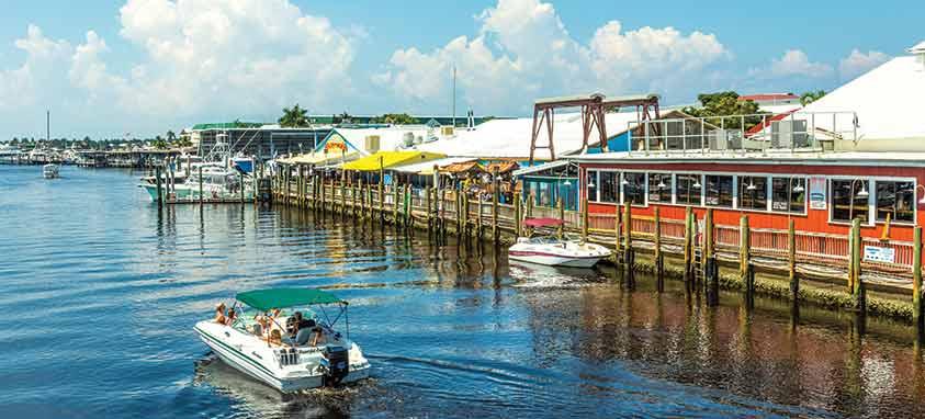 naples-bay-docks travel in southwest florida