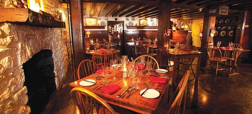 The_Red_Fox_Inn_Tavern_Fireplace